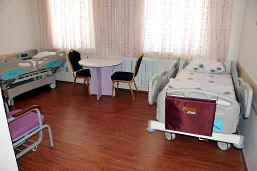 5-yildiz-degerinde-amatem-hastanesi-hemsire-olmadigi-icin-acilamiyor-(2).jpg