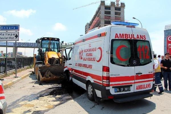 ambulans-kaza-1-001.jpg