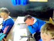 Derste Uyuyan Çocuk